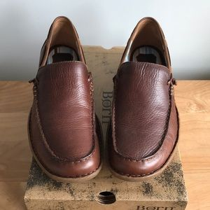 New in box brown leather loafers